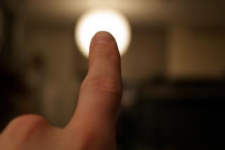 Finger pointing by bhollar (Flickr)